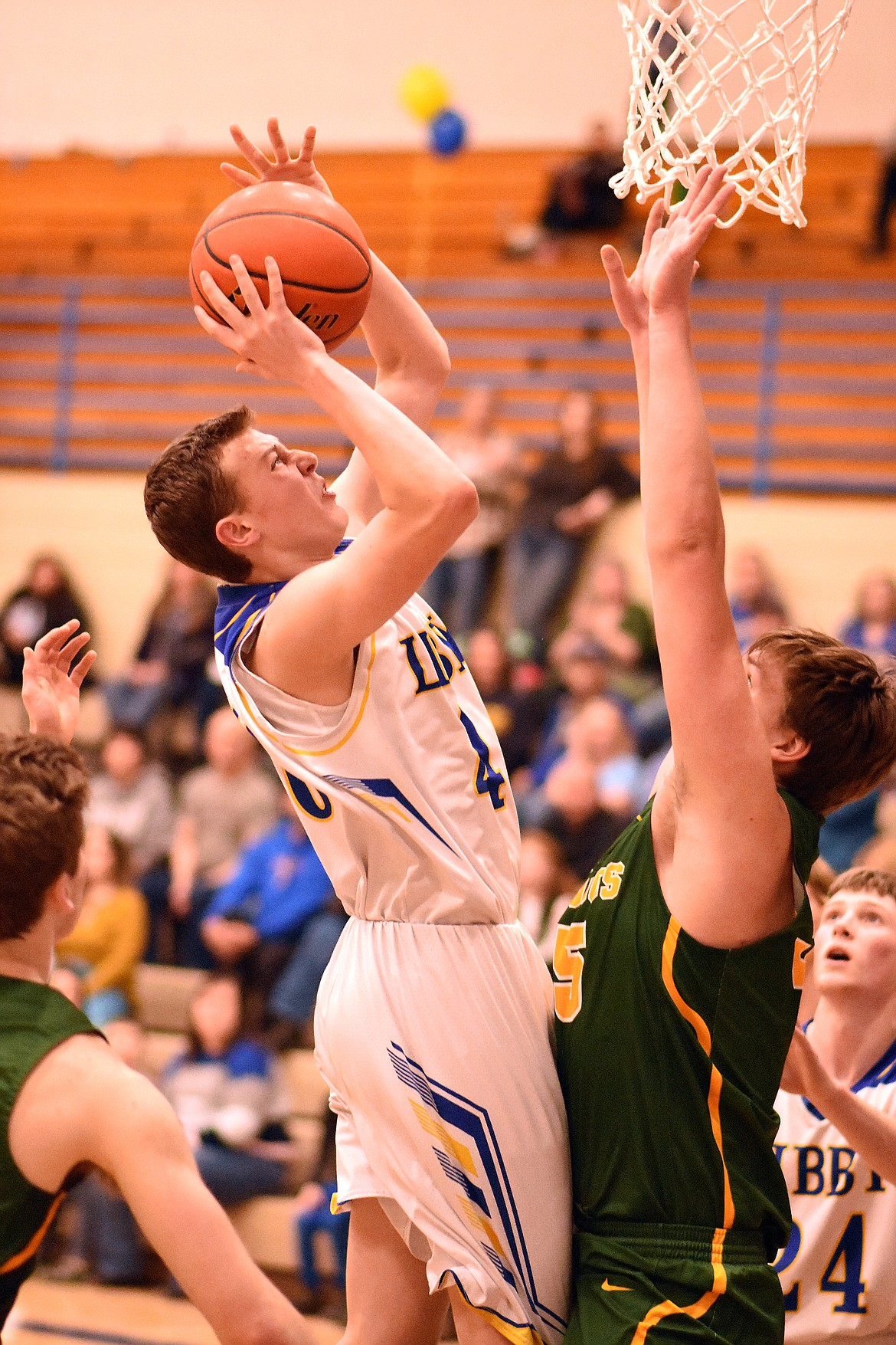 TJ Andersen goes up for a shot Feb. 21 against the Whitefish Bulldogs. (Duncan Adams/The Western News)