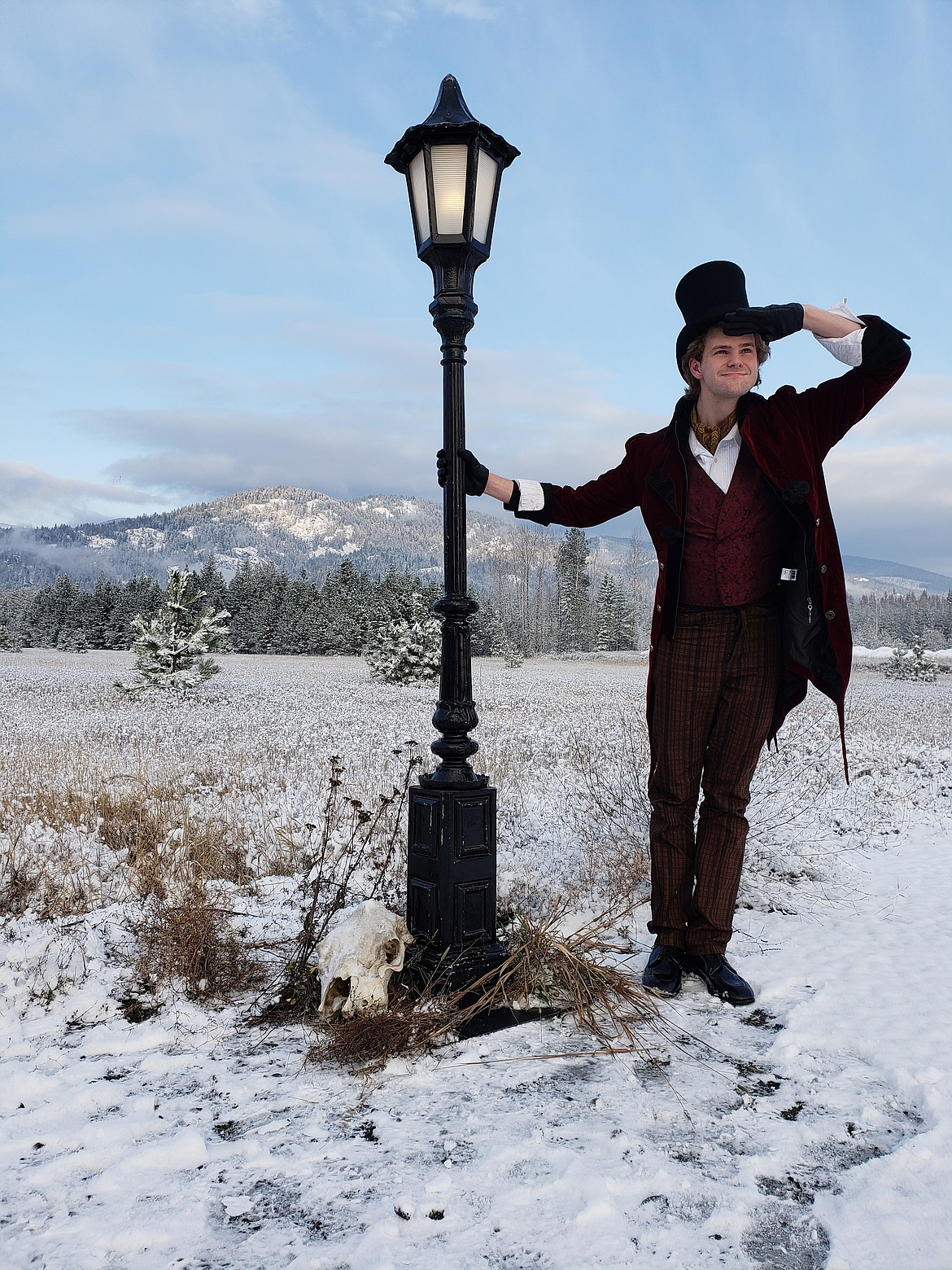 """Logan Foster plays the Lamppost Man in the 2018 movie-style trailer for Jack Castle's """"Stranger World"""" series."""