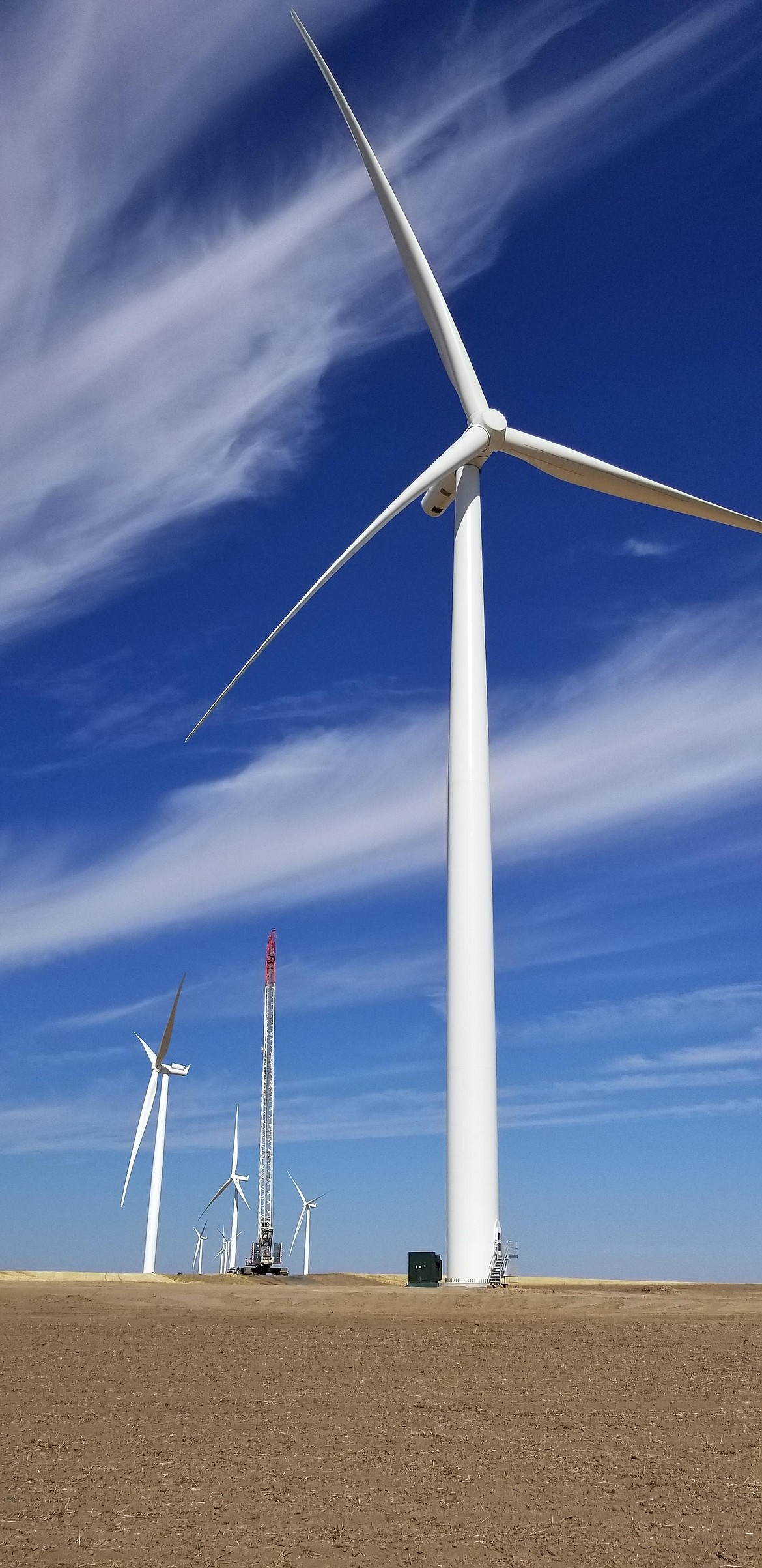 Wind towers ready to generate power on Rattlesnake Flat.