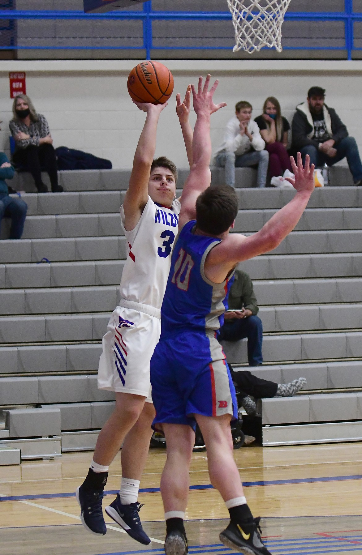 Cody Schweikert takes a shot in last Tuesday's game against Bigfork. (Teresa Byrd/Hungry Horse News)