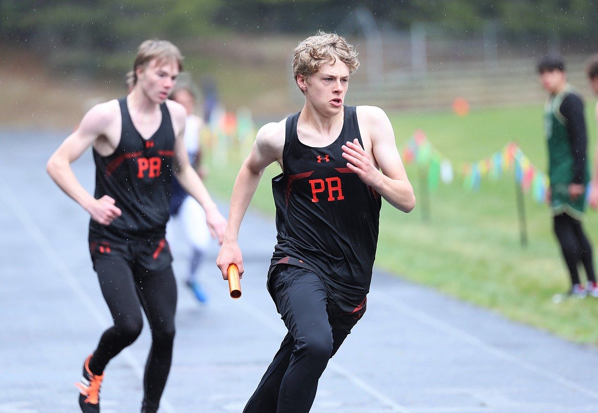 Caleb McDermeit competes in the sprint medley.